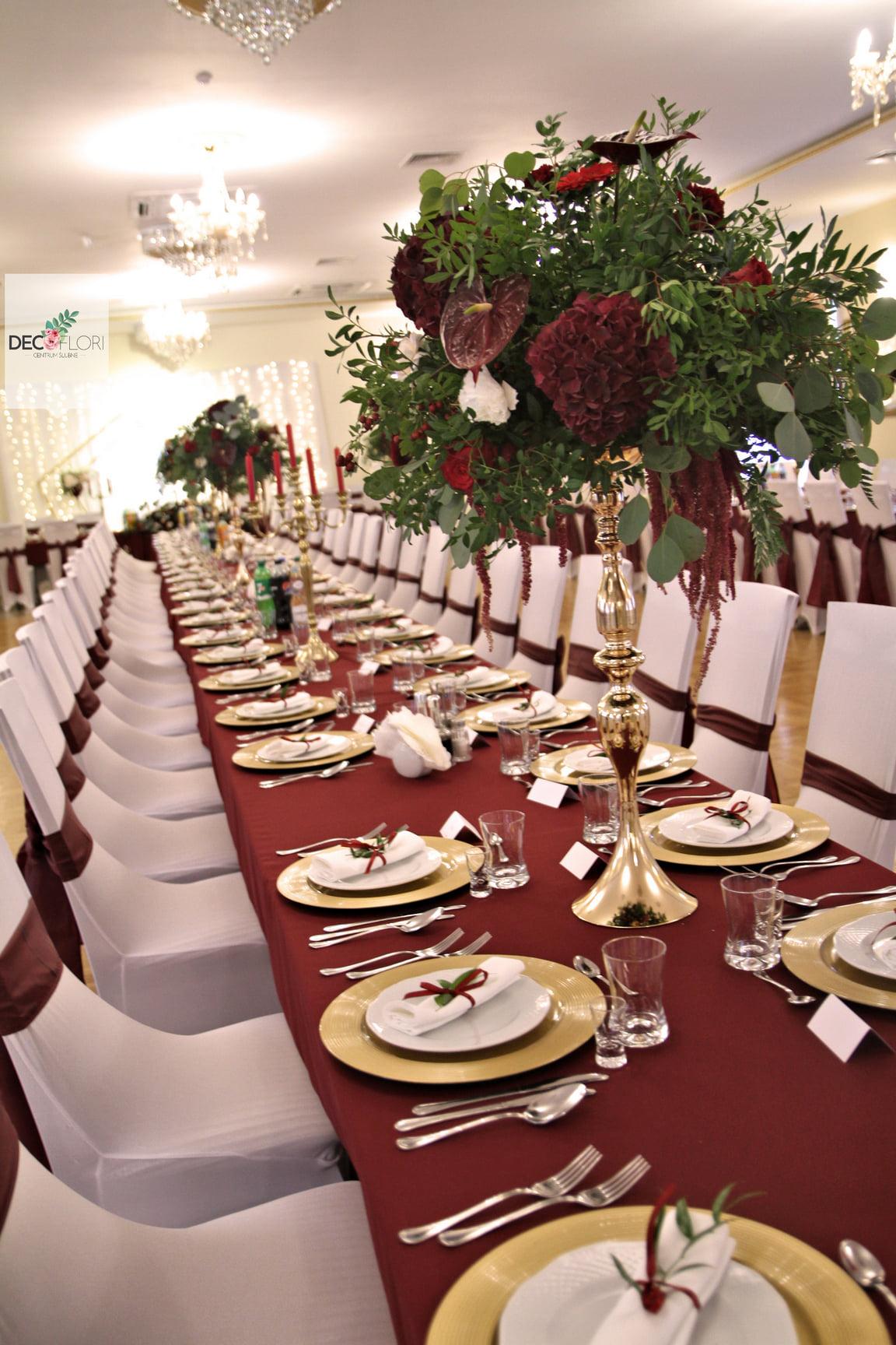 Przystrojenie stołów gości